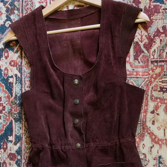 Vintage maroon embroidered vest M